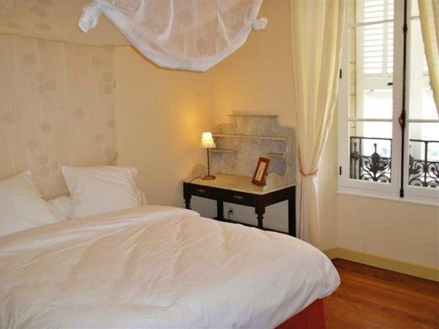 Room 1 'Baldaquin'