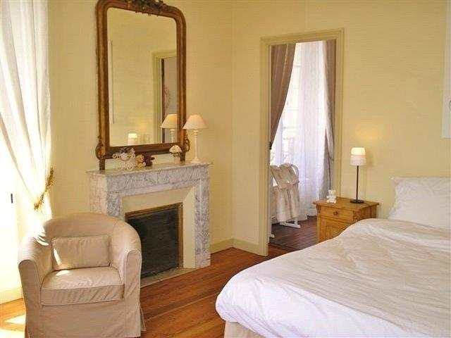 Zimmer 4 'La Suite'